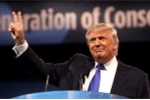 Thắng lợi lớn của Tổng thống Trump khi sắc lệnh nhập cảnh được khôi phục