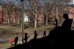 Đăng ảnh chế dung tục trên Facebook, nhiều sinh viên Harvard bị đuổi học