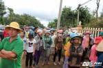 Vợ con cán bộ huyện bị sát hại: Nhiều người đến chia buồn với gia đình nạn nhân