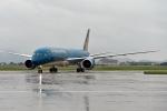 10 chuyến bay bị hủy do ảnh hưởng bão số 2