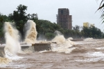 Trực tiếp tin mới nhất bão số 4: Bão đổ bộ các tỉnh Quảng Bình - Quảng Trị