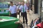 Gặp tài xế taxi tông thẳng tên cướp giật túi xách phụ nữ