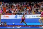 Nhà vô địch thể dục dụng cụ Mỹ hoảng hồn bỏ chạy khỏi bục nhận huy chương