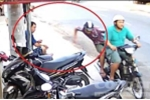 Vừa bị cướp đạp ngã, tiếp tục bị giật điện thoại trên phố Sài Gòn