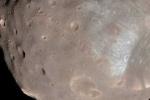 Tàu vũ trụ suýt va vào Mặt Trăng của Sao Hỏa