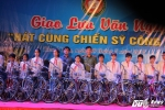 """Hinh anh Nghe sy Quang Teo """"doi mua"""" dien kich tai 'Hat cung chien sy canh sat' 27"""