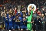 Ảnh: Vô địch Europa League, các cầu thủ MU ăn mừng phấn khích