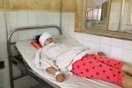 Bóng đèn cao áp rơi trúng đầu, nữ sinh bị thương nặng
