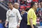 Ronaldo lại chửi thề khi bị Zidane thay ra sân