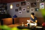 Chủ quán cà phê sinh viên đẹp trai như sao Hàn 'đốn tim' bao nữ sinh