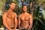Khoe ảnh chụp cùng trai lạ 6 múi, Ronaldo bị nghi ngờ đồng tính
