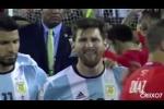 Messi òa khóc nức nở sau thất bại đắng cay