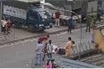 Đang lái xe máy, nam thanh niên ngã xuống đường chết tại chỗ