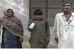 Chủ chặt tay bé trai 13 tuổi vì đòi lương và đồ ăn khiến dư luận phẫn nộ