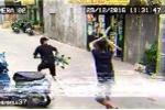 Clip: Thanh niên trộm xe cút kít và cái kết hài 'té ghế'