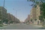 Nghi vấn về sự xuất hiện của các 'vị thần' khổng lồ cao gần 3m trên phố Ai Cập