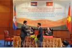 Việt Nam - Campuchia ký thỏa thuận thúc đẩy thương mại song phương