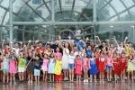 Hàng trăm thí sinh đội mưa casting 'Nhí tài năng 2016' tại Hà Nội