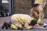 Clip: Lính cứu hỏa hô hấp nhân tạo, cứu sống mèo trong đám cháy