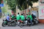 Tài xế Grabbike bị đâm gục trên phố: Bắt 3 người đàn ông hành nghề xe ôm