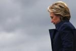 Hé lộ thông tin người tuồn email của bà Clinton cho WikiLeaks