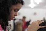Xôn xao tin đồn cô bé chữa HIV chỉ bằng cách chạm vào cơ thể
