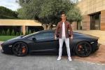 Vứt lại siêu xe, Ronaldo cùng bạn gái đi xe cấp cứu đến bệnh viện