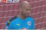 Clip: Thủ môn sai lầm ngớ ngẩn, 'dâng tặng' bàn thắng cho Rashford