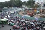 Công trình thi công nhởn nhơ, dân Sài Gòn khổ vì kẹt xe
