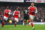 Alexis Sanchez ghi bàn bằng tay, Arsenal nhảy vào top 3