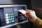 Bắt nhóm người Trung Quốc dùng thẻ giả trộm tiền từ cây ATM