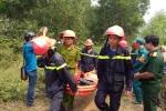 Máy bay quân sự rơi ở TP.HCM: Khóc ngất bên thi thể không nguyên vẹn