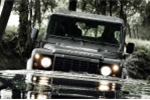 Mê Land Rover Defender, tỷ phú xây dựng xưởng sản xuất riêng