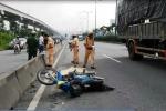 Đi sai làn đường, nam thanh niên bị xe container tông chết