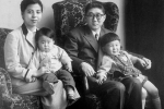 japanese-prime-minister-shinzo-abe-as-a-child-left-with-his-family-in-1956-his-father-shintaro-abe-was-foreign-minister-between-1982-and-1986