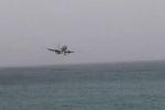 Video: Phi cơ chở gần 200 hành khách suýt hạ cánh nhầm xuống biển