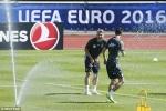 Tin tức Euro 25/6: Tập luyện căng thẳng, tuyển Đức nghịch nước hạ nhiệt