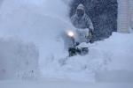 Ảnh: Tuyết rơi trắng xóa bất thường ở Mỹ, 6 người chết