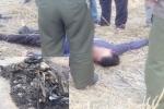Dân phẫn nộ đuổi đánh, đốt xe máy hai tên trộm chó giữa ban ngày