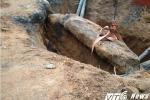 Bị đá đè chết trong lúc đào mộ cổ trên 200 năm