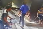 Tài xế xe buýt hung hãn rút dao đâm người giữa phố Sài Gòn