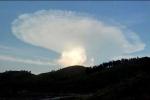 Đám mây hình nấm kỳ dị trên trời như tận thế khiến nước Nga xôn xao