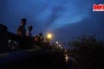 Lật xuồng chở 4 người nhậu trên sông, một người mất tích