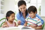 Vì sao bố mẹ phải dạy bé nhặt hạt, xâu vòng trước khi vào lớp 1?
