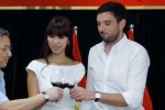 Bị chê đăng ký kết hôn 'bất thường' để 'làm màu', Hà Anh phản pháo