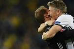 Bastian Schweinsteiger ghi bàn, Đức hạ Ukraine trong trận cầu mãn nhãn
