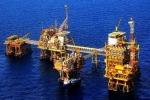 Mỏ dầu cạn, xuất khẩu cận ngưỡng: Tăng trưởng khó khăn