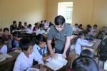 Nơi thầy cô giáo lặn lội 'rước' học sinh rồi vừa dạy vừa canh học sinh bỏ trốn