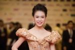 'Cô gái vàng' của Hoa hậu Việt Nam lộng lẫy trên thảm đỏ LHP Quốc tế Hà Nội