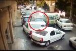 Xe tải đi ngược chiều gây va chạm liên tục, bị chửi bới vẫn 'cố đấm ăn xôi'